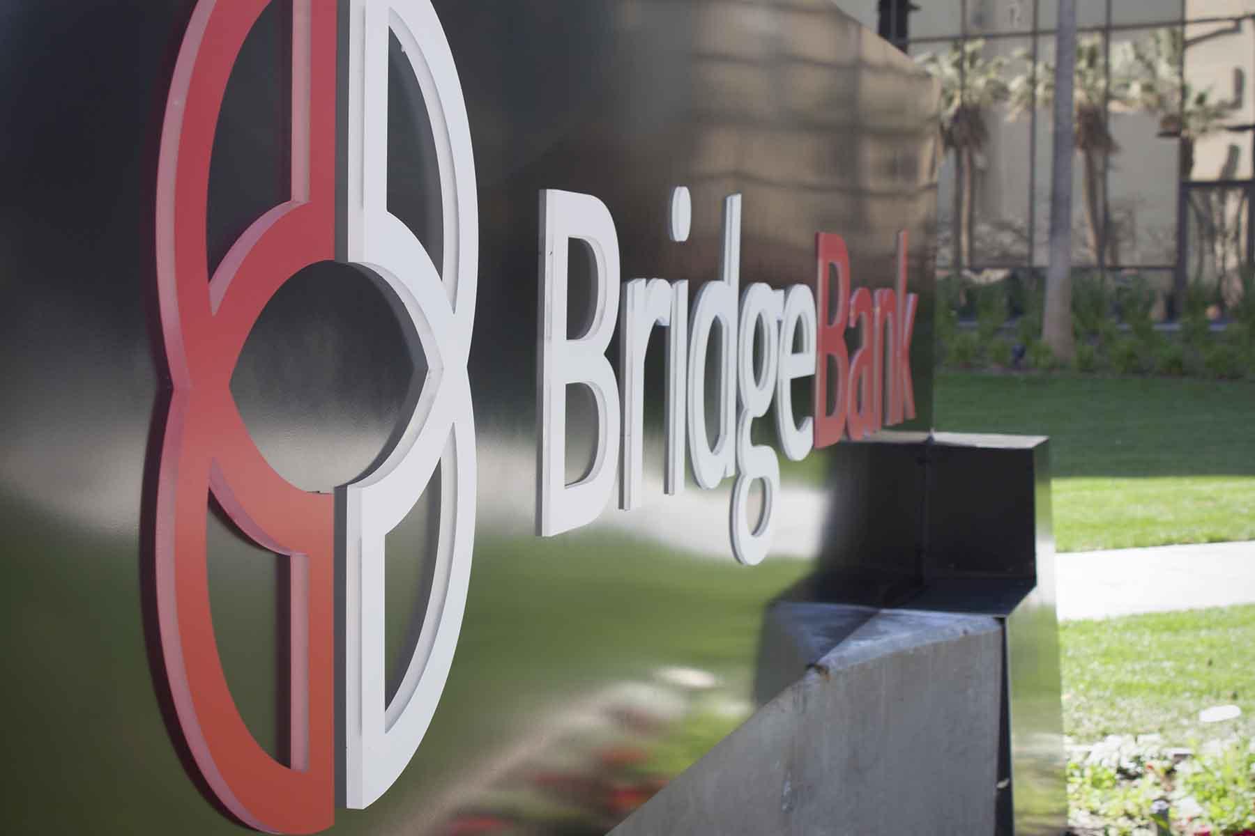Bridge Bank Monument - Day